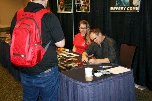 Jeffrey Combs signing autographs
